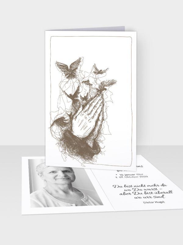Erinnerungsbild - Kleinere Klappkarte mit Trauerbild/Sterbebildchen (74 x 105 mm)   Motiv Betende Hände (künstlerisch)   EB_003