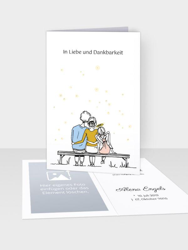 Erinnerungsbild - Kleinere Klappkarte mit Trauerbild/Sterbebildchen (74 x 105 mm)   Motiv Forever Family - Mädchen   Paar (m/w) u. Tochter